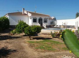 Large house in Los Montesinos in Torrevieja Spain